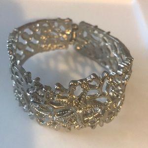 Sliver tone starfish bracelet
